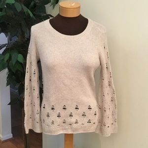 ⭐️. Lucky Brand XS wide sleeve intentional holes